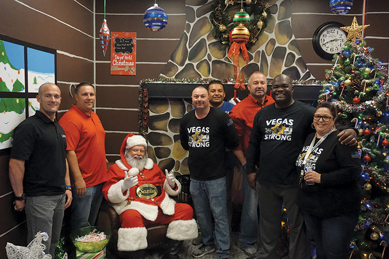 santa-day-2017-giving-back-to-our-members-2