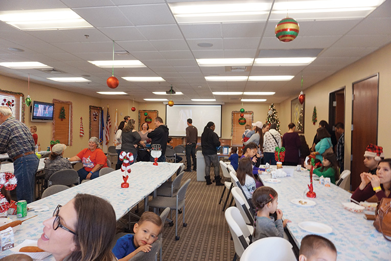 santa-day-2017-giving-back-to-our-members-4
